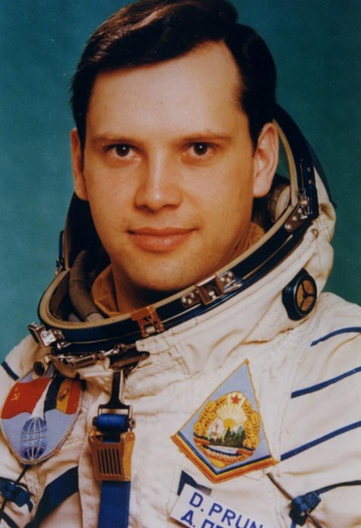 <p>Dumitru Prunariu. 38 de ani de la zborul astronautului român Dumitru Prunariu în Cosmos</p>