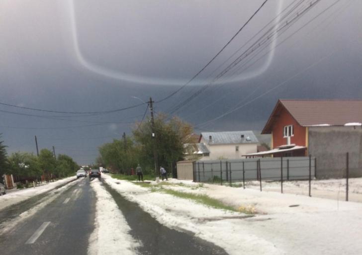 Ploaie cu grindină în Dâmbovița