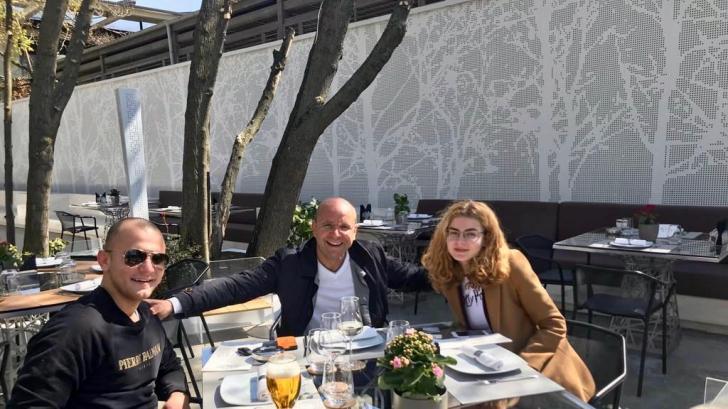 Bossul Realitatea TV a luat o decizie radicală: își mută întreaga familie în Austria!