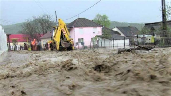 ALERTĂ METEO. Cod portocaliu de inundaţii