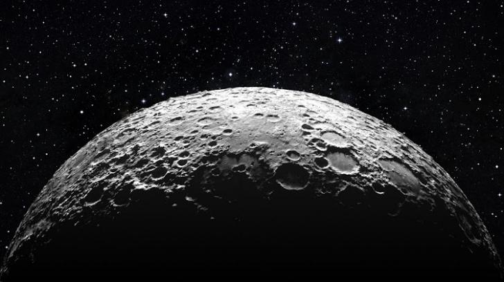 De ce se vede Luna colorată de pe Pământ