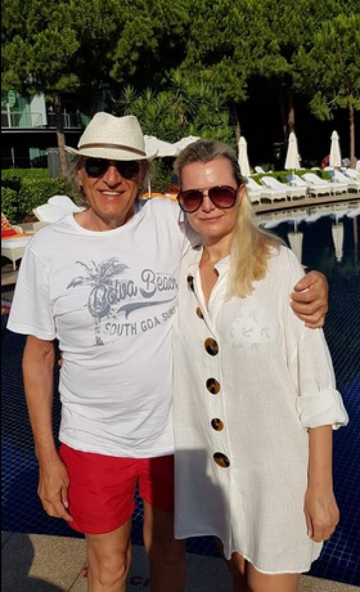 <p>Cum arată și cu ce se ocupă soția lui Mihai Constantinescu</p>