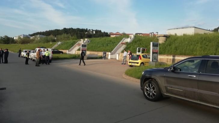Bărbat împuşcat în cap într-un poligon privat dintr-un centru comercial din Cluj