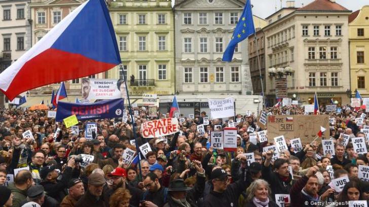 Noi proteste în Cehia împotriva ministrului Justiţiei