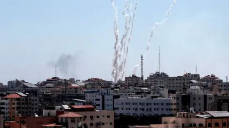 Orientul Mijlociu explodează. Ploaie de rachete peste Israel, bombardament în Gaza: morți și răniți