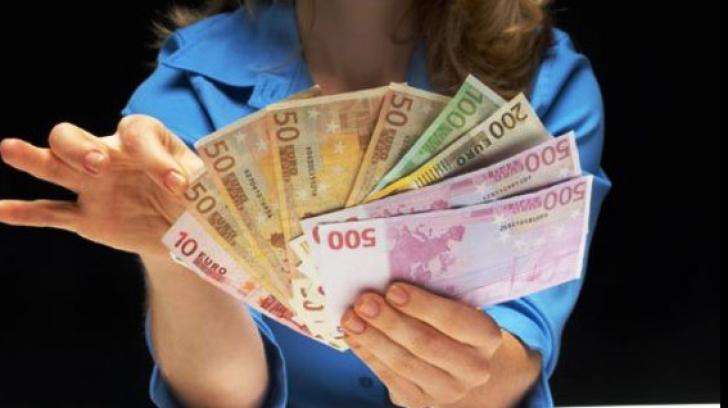 Salariul mediu net va urca la 3.300 lei în 2020