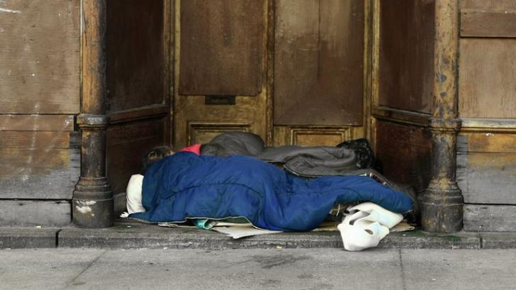 Aroganță de miliardar! Risipește milioane de dolari ca să afle de ce există sărăcie în lume!