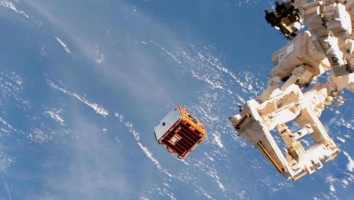 """Satelitul """"gunoier"""" care curăță orbita Pământului. Riscul de coliziune, major"""