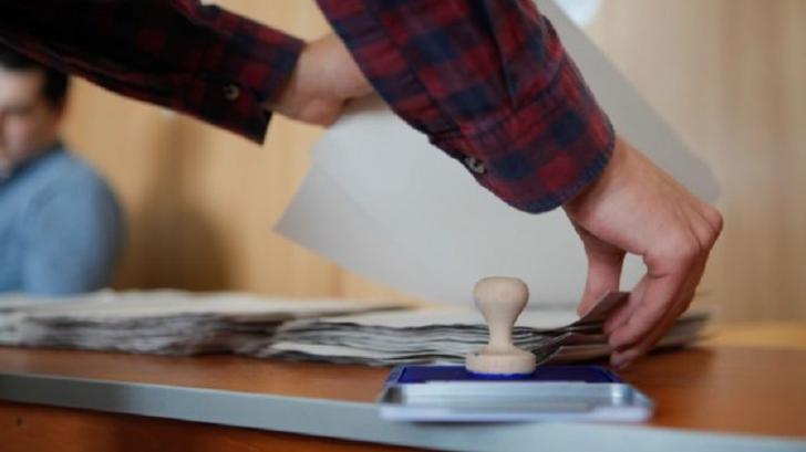 A început transportul buletinelor de vot pentru scrutinul de duminică
