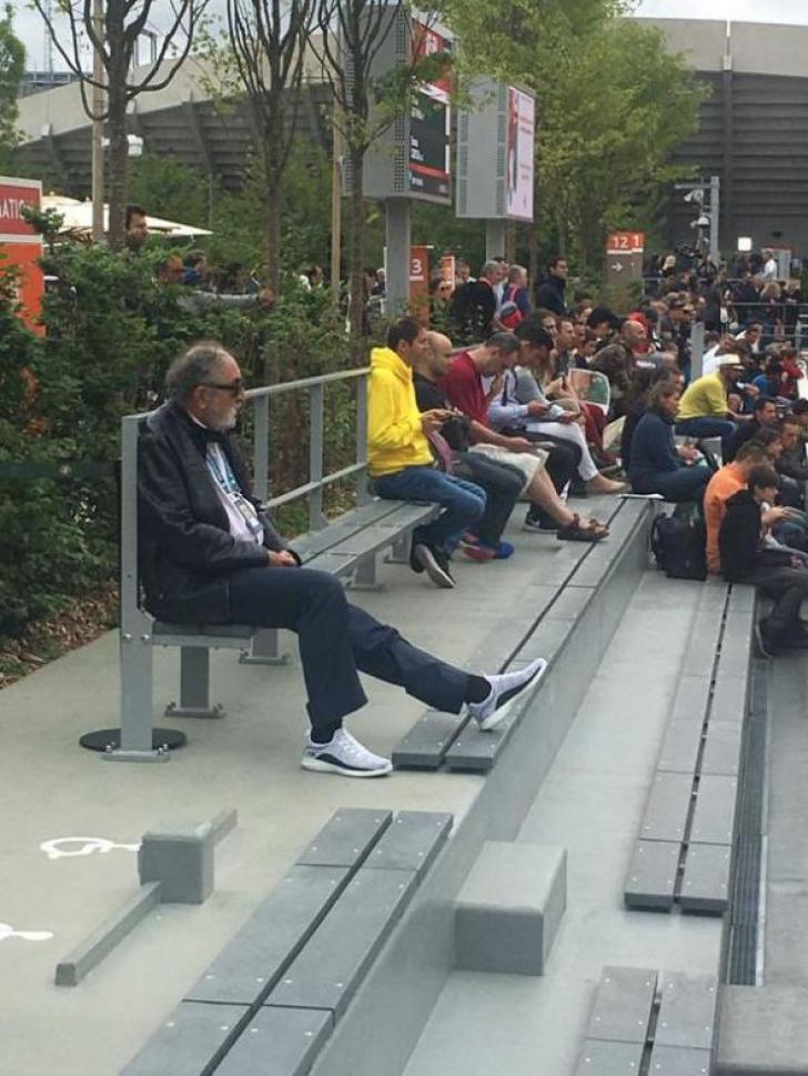Ion Ţiriac, într-o imagine de zile mari la Roland Garros