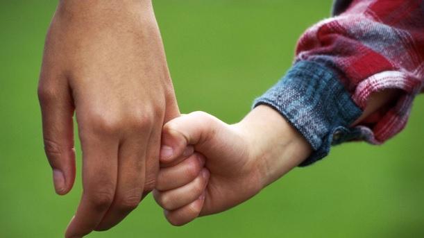Anchetă socială în cazul unui copil român internat într-un centru maternal din Germania