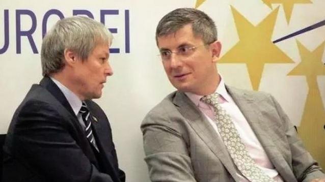 Cioloș și Barna, proiect-mamut pe scena politică. Cum vrea alianța USR PLUS să ia fața PNL