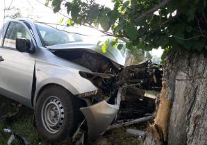 Tragedie pe o șosea din Constanța. A murit, după ce s-a izbit cu mașina de un copac