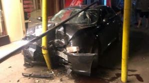 Accident grav, într-o stație de autobuz: o victimă