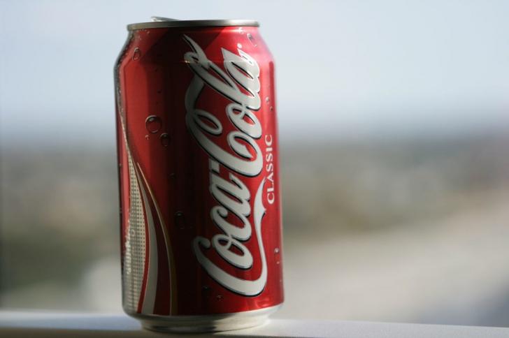 De ce Coca-Cola din România nu are același gust precum Coca-Cola din alte țări