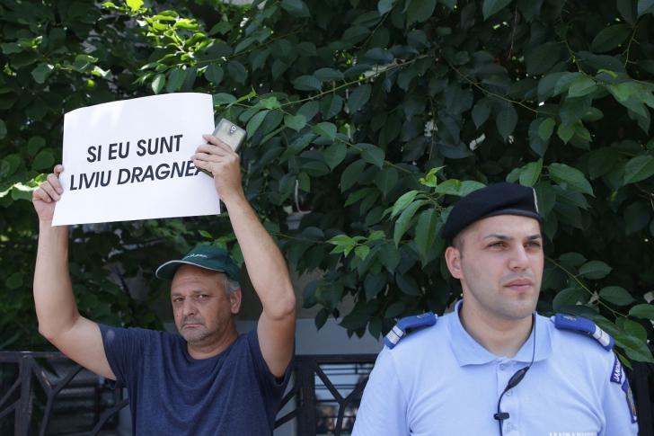 Protest pro-Dragnea la Cotroceni