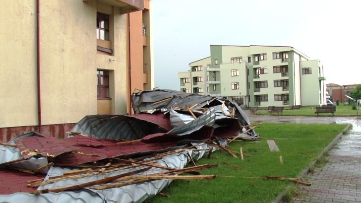 Dezastrul lăsat de furtuni în România, în imagini. Ravagiile făcute de fenomenele meteo extreme