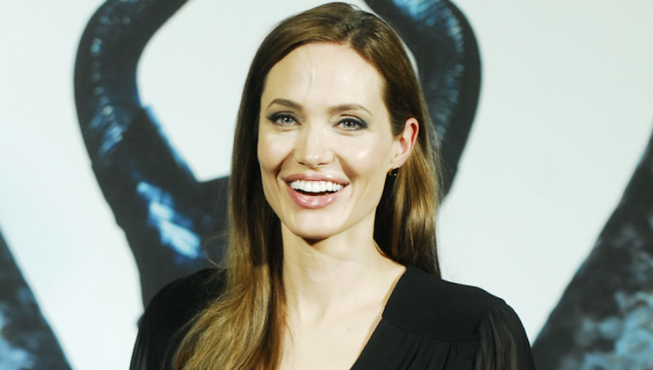[Image: angelina_jolie_maleficent_feature_87325100.png]