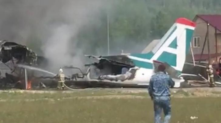 Avion prăbușit, după o aterizare de urgență, în Siberia: morți și răniți