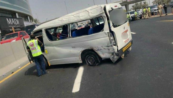 17 oameni au murit după ce un autobuz s-a izbit de un indicator rutier, la Dubai