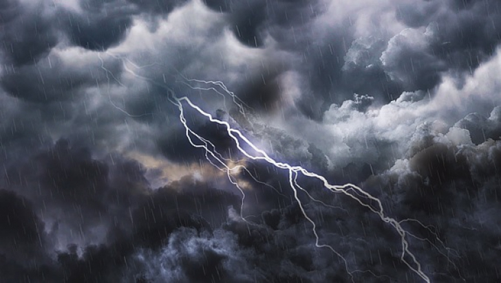 Alertă meteo de ultimă oră: COD PORTOCALIU de furtuni, vijelii și grindină