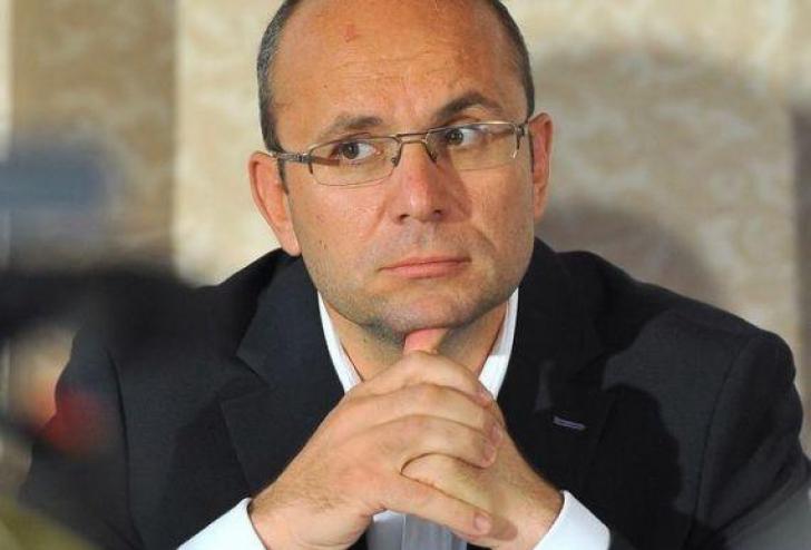 Cozmin Guşă: PSD este într-o situaţie tragicomică, dacă Dăncilă a ajuns salvarea partidului