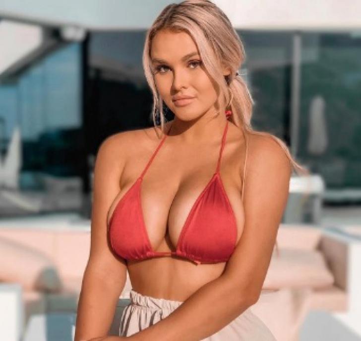 Kinsey Wolanski, bomba sexy care a intrat pe teren la finala Ligii Campionilor, trăieşte un coşmar