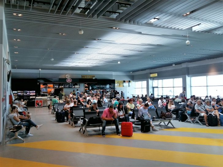 Aeroportul din Iași