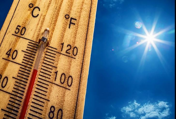 Meteorologii avertizează: urmează zile caniculare. Vor fi şi 37 de grade!