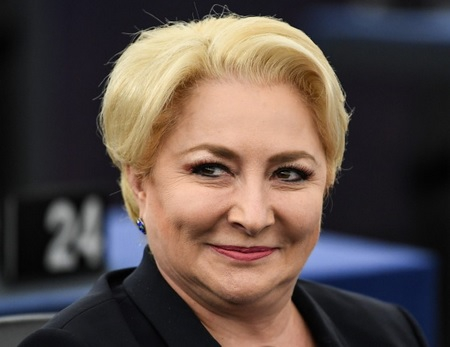 Membru PSD, către Dăncilă: Dacă o blondă va conduce ţara, să fie a noastră!