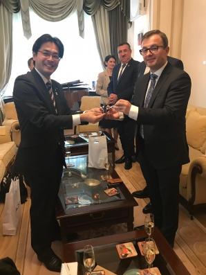 Dineu festiv la Ambasada Japoniei