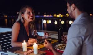 Un bărbat i-a cerut femeii cu care a fost la întâlnire să îi transfere banii pe băuturi. Ce a urmat