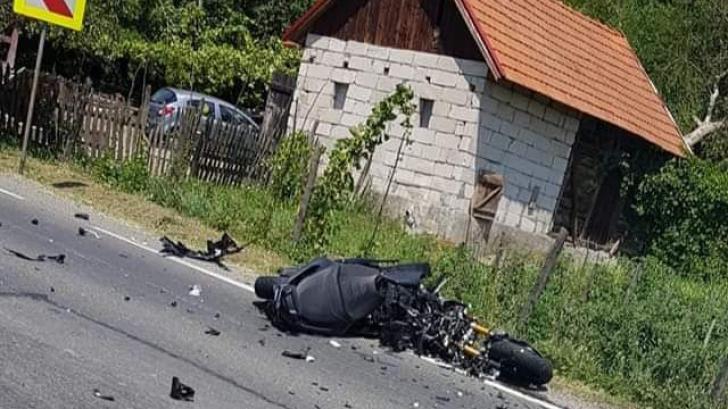 Accident mortal, în jud. Hunedoara: motocicletă, impact catastrofal cu un TIR