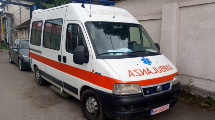 A donat o ambulanță orașului natal, cumpărată din banii munciți în străinătate