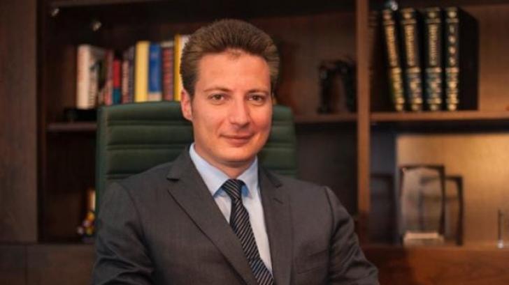 """Andrei Caramitru:""""Ar fi bine să nu mai votăm mesianic"""""""
