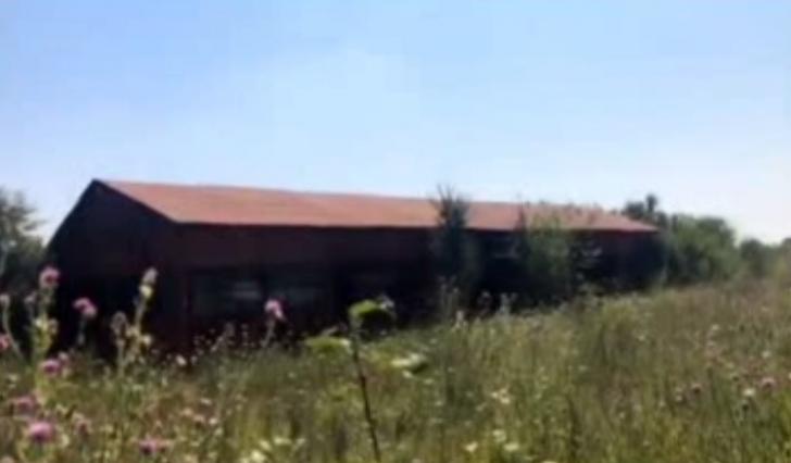 Poliţiştii fac verificări în mai multe case şi într-un lac din Caracal, în căutarea Alexandrei