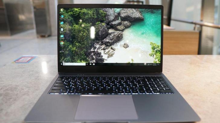 Chinezii au făcut un laptop mai tare decât Apple și de câteva ori mai ieftin