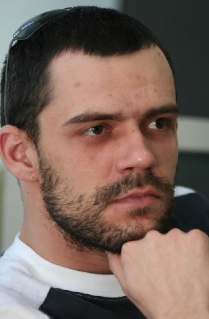 DOLIU în presa din România. Jurnalistul a fost găsit fără suflare, în casă
