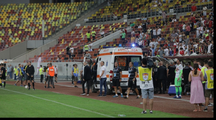 Scene incredibile, pe Arena Națională! Eugen Neagoe, dus cu ambulanța la spital, după ce a leşinat / Foto: Inquam Photos / Octav Ganea