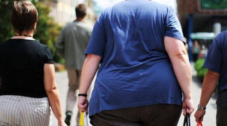 Obezitatea crește de până la 10 ori riscul de deces în cazul Covid-19