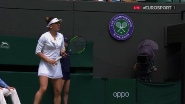 Simona Halep joaca acum la Wimbledon
