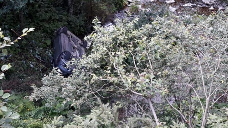 Masina cazuta in rapa, pe Transfagarasan