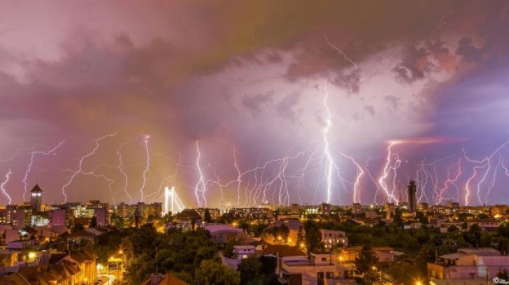 Vremea se raceste in Bucuresti. Alerta de ploi si averse