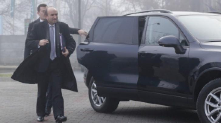 Tudorel Toader vrea automobil și autocar la Universitatea Cuza din Iaşi