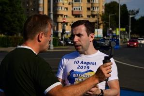 Tommy Tomescu, la pregătirile dinaintea protestului din 10 august 2019