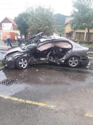 Accident cumplit, în Baia Mare! Un mort, după ce mașina i-a fost pur și simplu spulberată