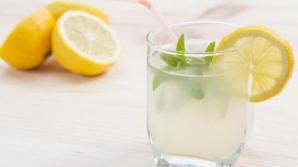 Ce se întâmplă în corpul tău dacă bei numai suc de lămâie, timp de o lună. Medicii, şocaţi de efect!