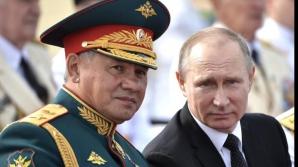Vladimir Putin si ministrul rus al Apararii