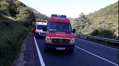 Accident grav, pe Valea Oltului: 8 victime, după ce o şoferiţă a adormit la volan