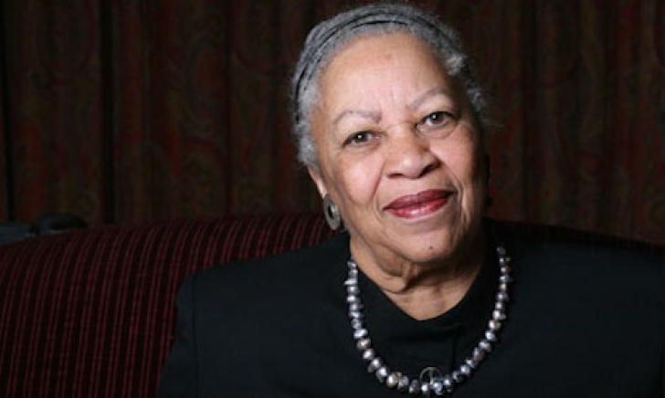 <p><strong>Toni Morrison</strong></p>